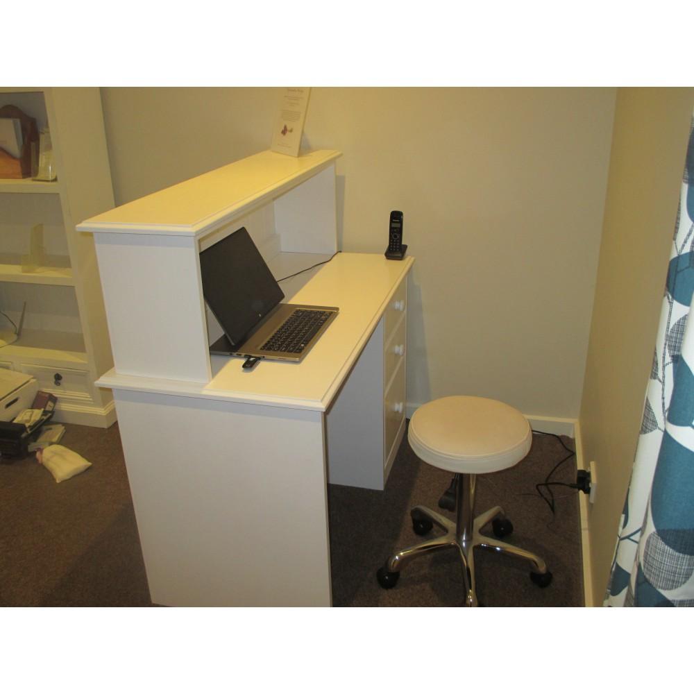 Custom Desk(W8)